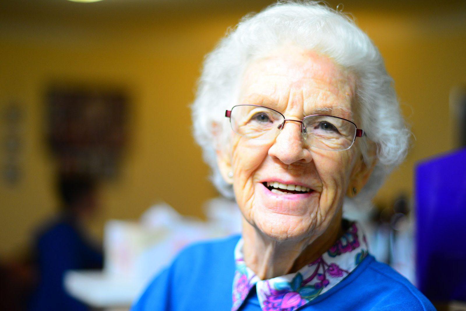 adult-elder-elderly-432722